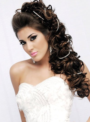 modern-hairstyles-with-curls-for-brides4