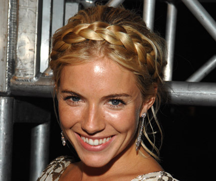 party-styled-hairstyles-with-braids-as-a-headband